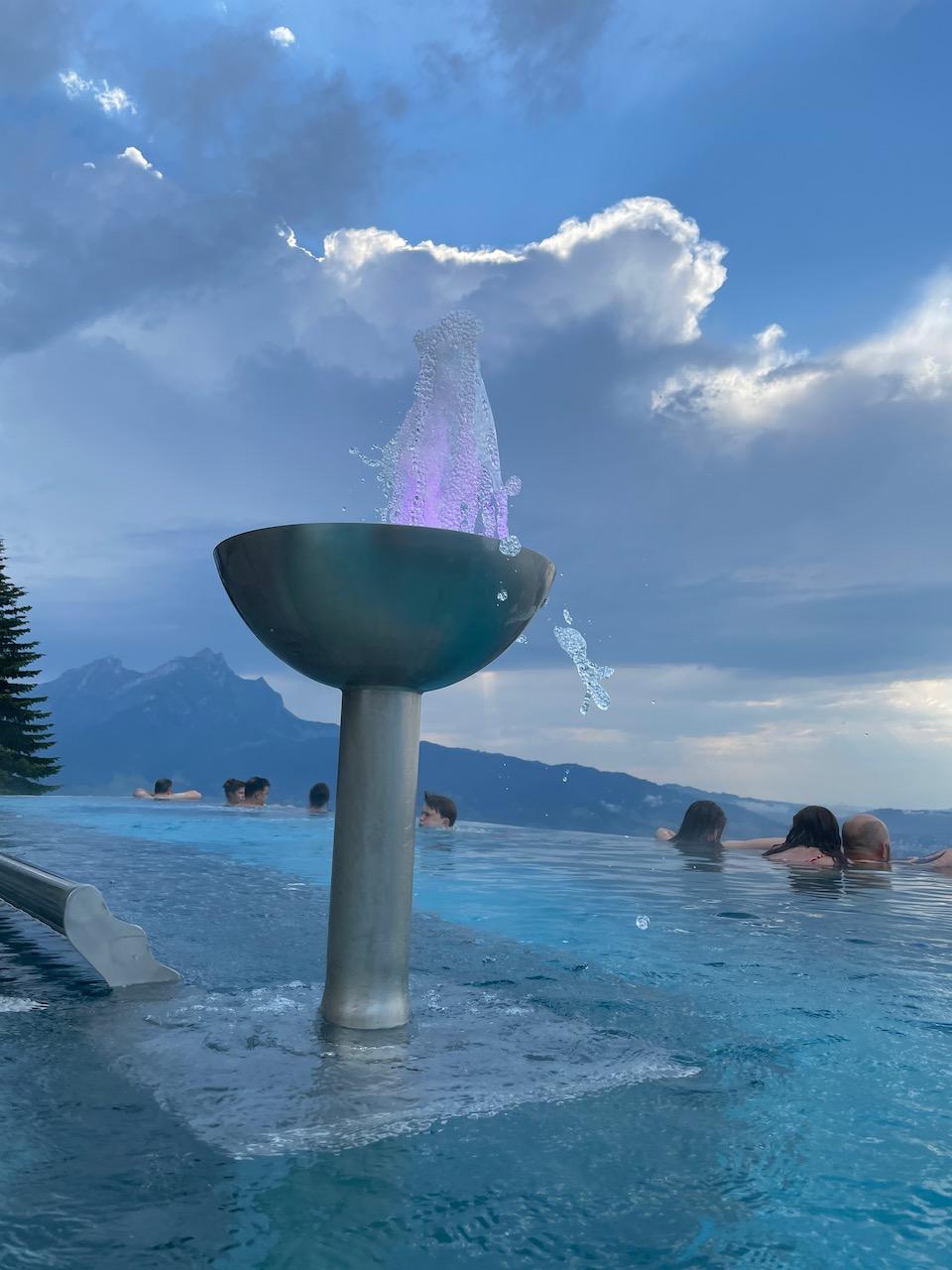 Spa infinity pool