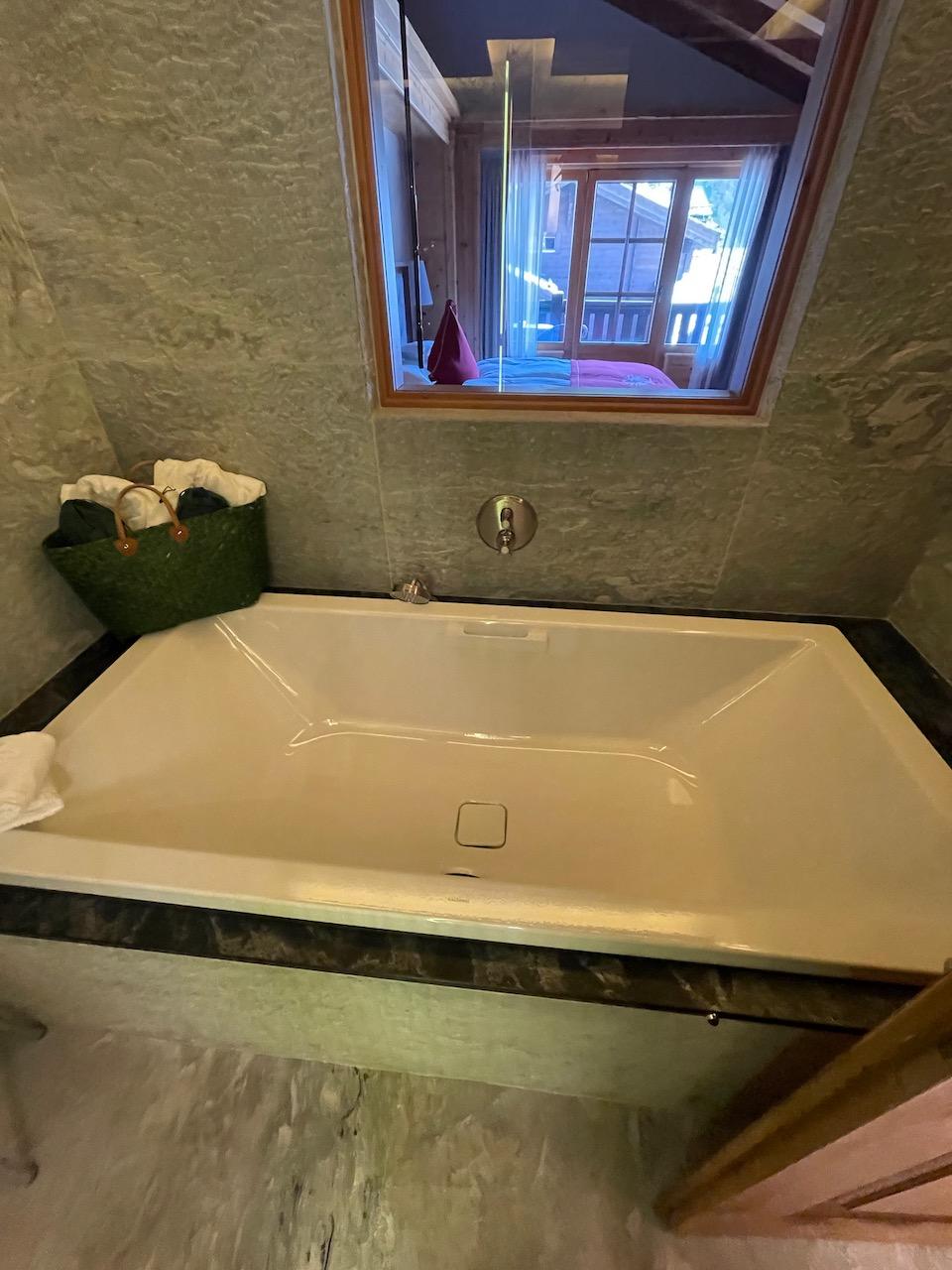 Riffelalp Room 501 Tub