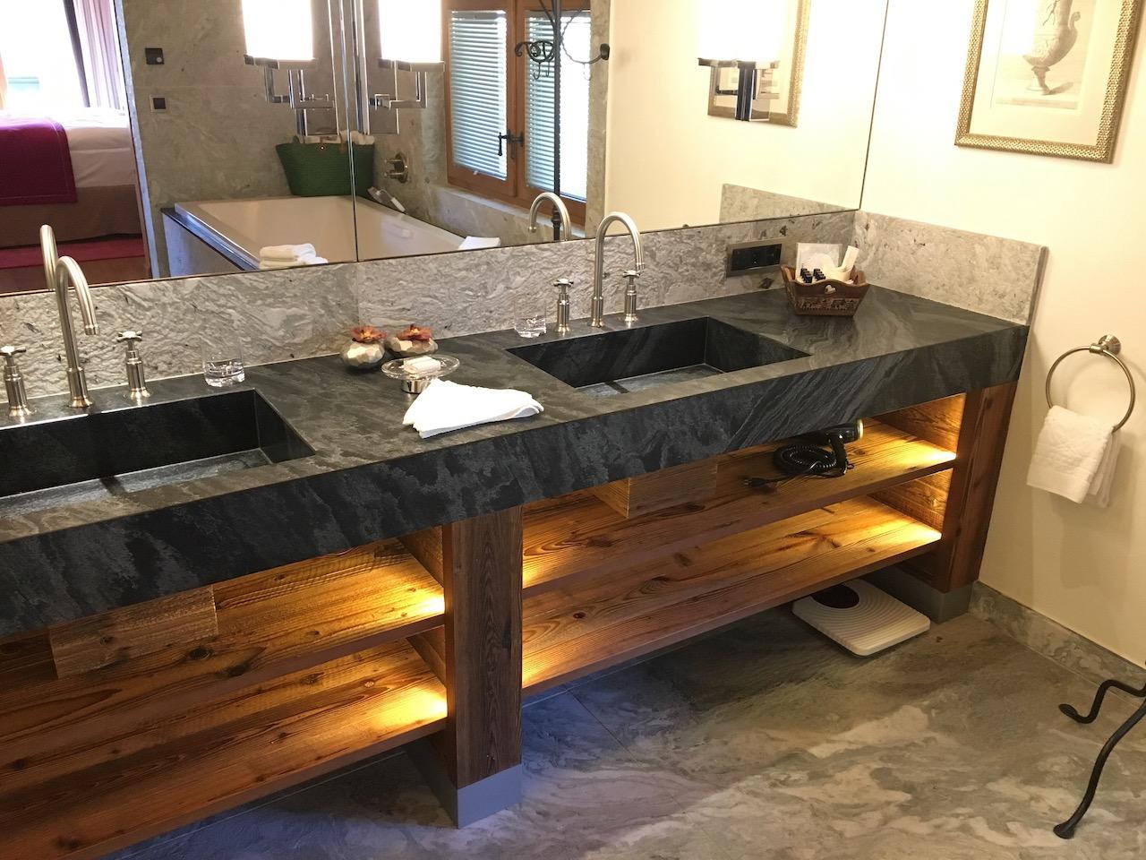 Riffelalp Suite 2222 Bath